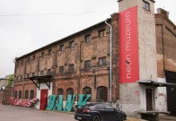 neon-museum-warsaw-1