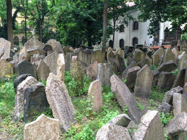 prague-jewish-cemetery-7
